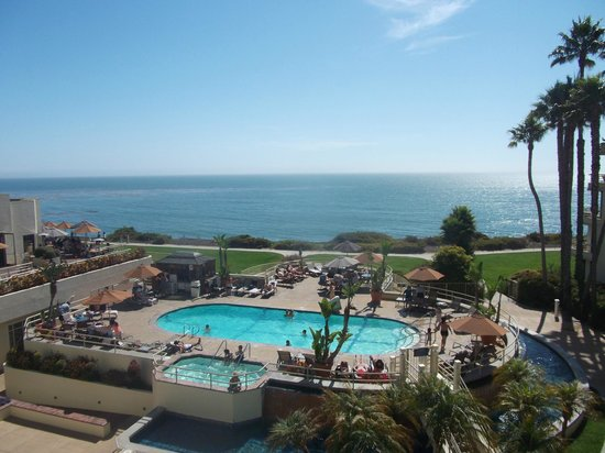 The Cliffs Resort: Pool and sea :-)