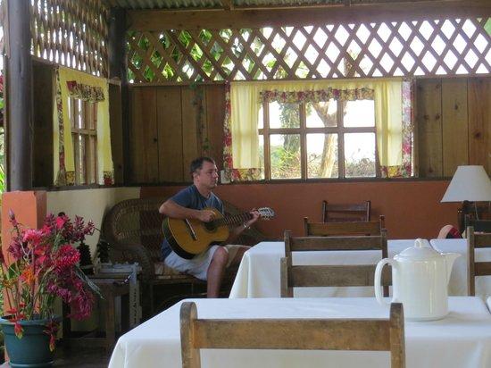 Hotel Faro Arenal:                   Dining Area