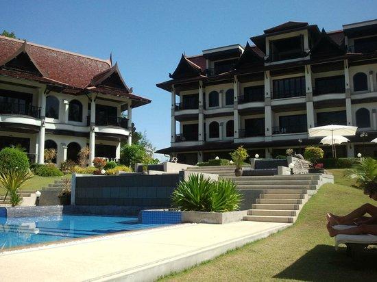 Khao Lak Riverside Resort & Spa:                   Вид на основной корпус