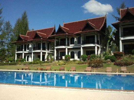 Khao Lak Riverside Resort & Spa:                   Вид на отдельные коттеджи