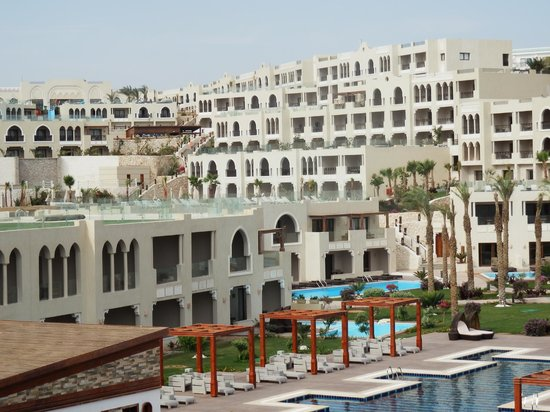Sunrise Grand Select Arabian Beach Resort:                                     hotel