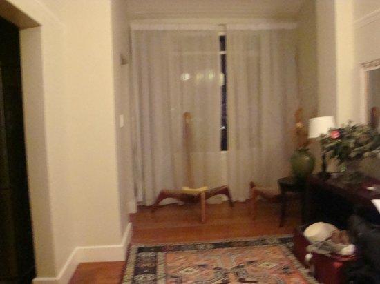 Barry Hall Luxury Apartments:                   hab                 