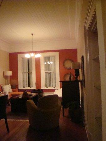 Barry Hall Luxury Apartments:                   comerdor                 