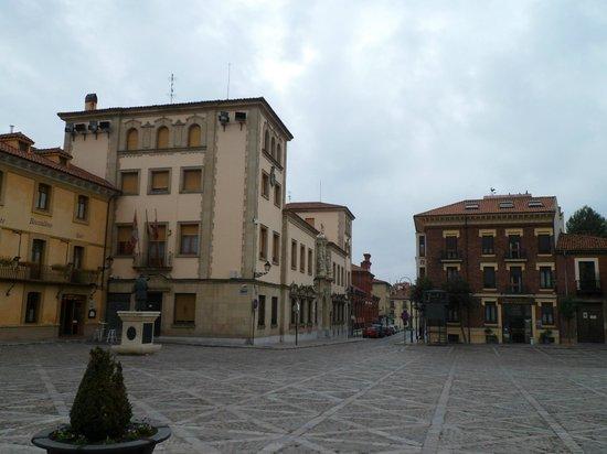Boccalino:                   Vista del hotel y restaurante