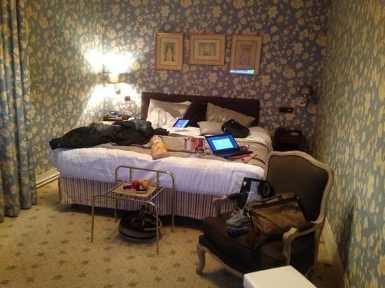 Best Western Grand Monarque:                   la chambre