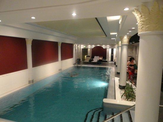 The Westin Grand Frankfurt: Piscina - No es muy grande, pero más que sificiente para nadar un poco