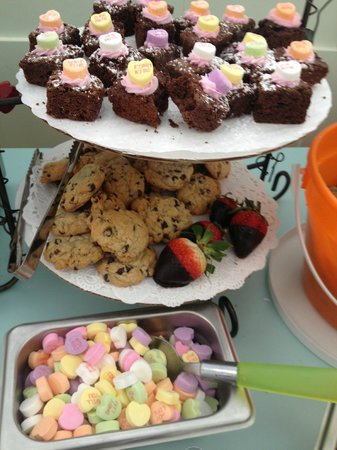 The Local Scoop: Valentines Treats at the Topping Bar