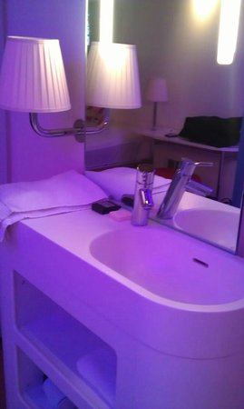 citizenM Glasgow:                                     sink