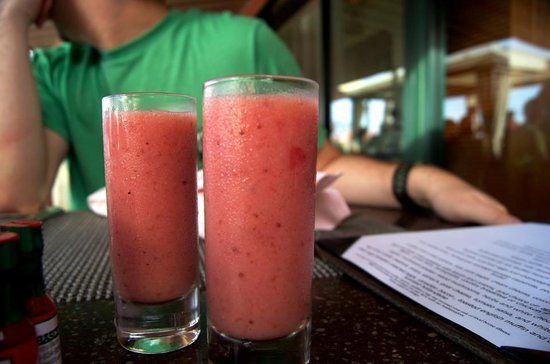 The Royal Hawaiian, a Luxury Collection Resort: Smoothies shots!