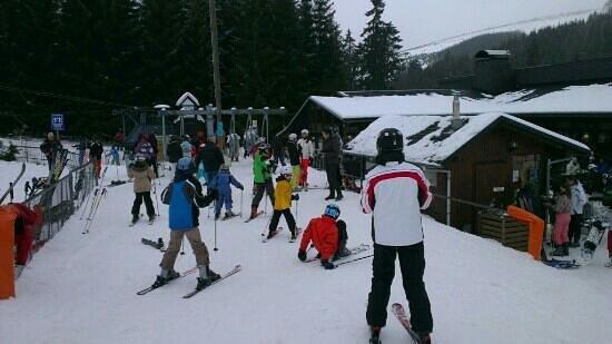 Boedefeld, Germany:                   in de rij voor de skilift hunau