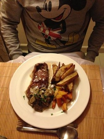 Abbots Lodge:                                     Another delicious meal cooked by Janet