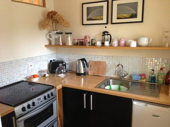 Abbots Lodge:                                     lovely kitchen stocked up with everything we needed for our