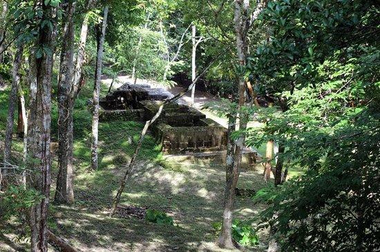 Xunantunich:                                     random ruins