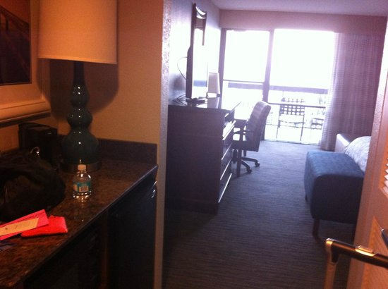 Hampton Inn Jacksonville Beach/Oceanfront:                   View walking into room