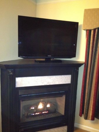 Senator Inn & Spa:                   flat screen