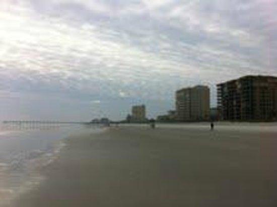 Jacksonville Beach:                   Beachfront hotels                 