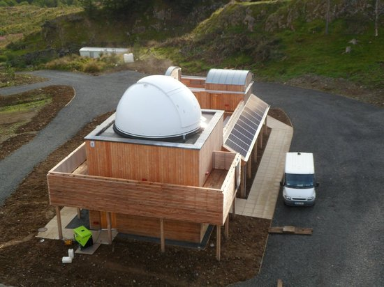 Dalmellington, UK: The SDSO - off grid with solar panels...