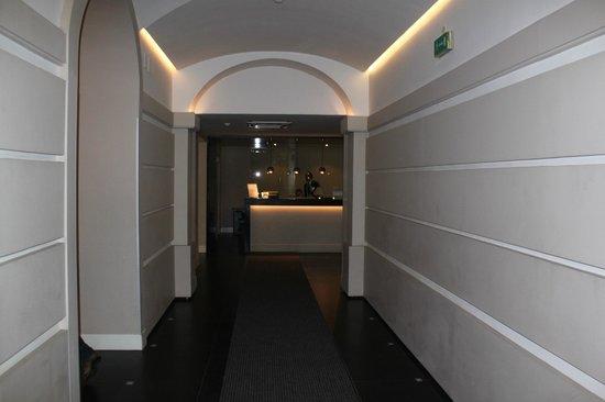 Hotel Villafranca:                   hotel desk
