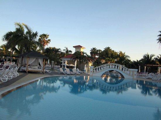 Paradisus Princesa del Mar Resort & Spa:                                                       View of the pool