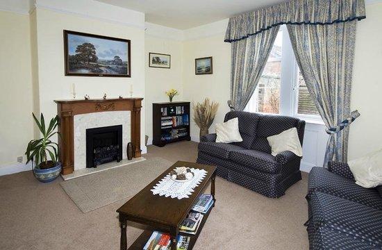 Newcourt Barton: Lounge