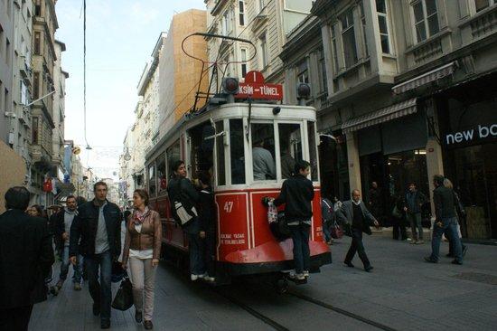 Hotel Sultania: Istiklal Caddesi