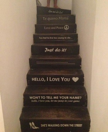 Imagine Hotel Boutique:                                     Stairs