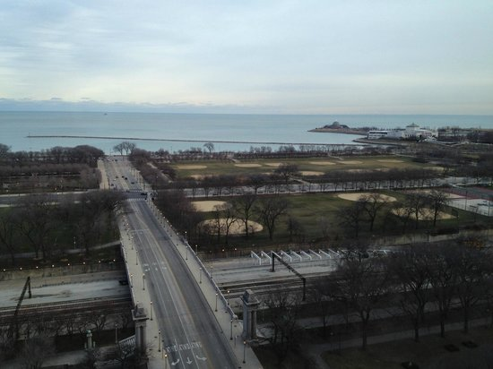 Renaissance Blackstone Chicago Hotel: Another Photo of the Great View from our Room