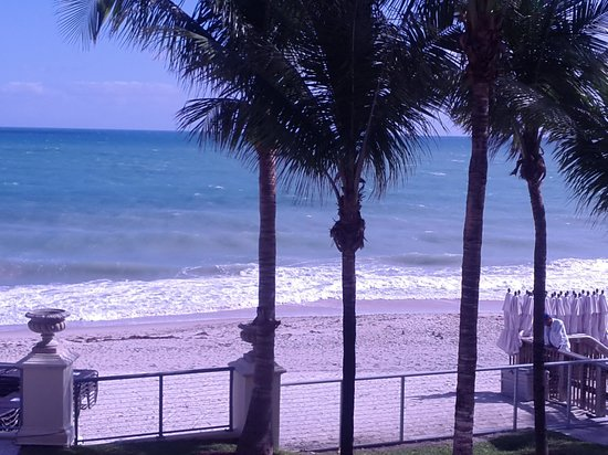 Vero Beach Hotel & Spa - A Kimpton Hotel:                   view from balcony room 206