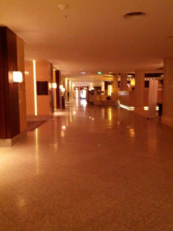 Hilton Berlin: hall