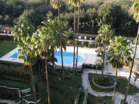 Parco dei Principi Grand Hotel & SPA:                   la piscine extérieure