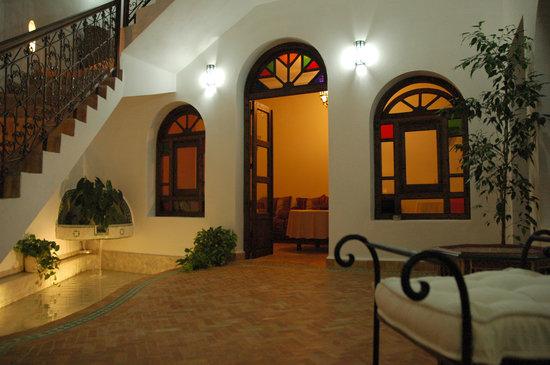 Hotel Dar Manara: Vista del patio principal