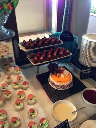 Veligandu Island Resort & Spa:                   desserts mmmm