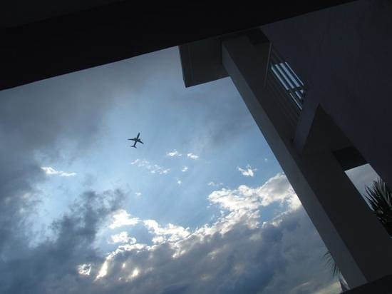 Hotel Riu Montego Bay:                   Lounging in the flight path.