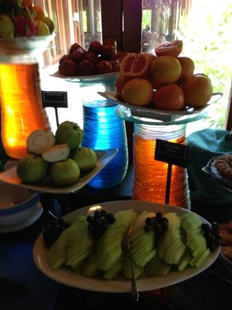 Veligandu Island Resort & Spa:                   fruits