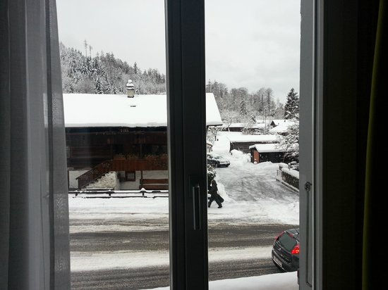 Tell Hotel-Restaurant:                   Snowy and amazing outside!