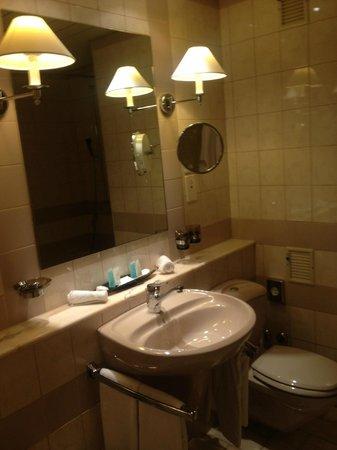 Victoria Hotel: Deluxe Room