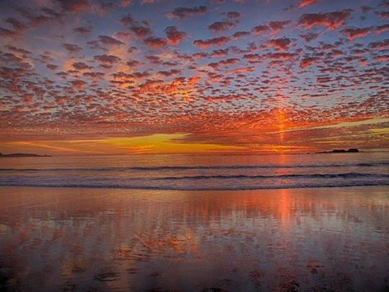 Sea View Inn: A recent Sunset on beautiful Carmel Beach