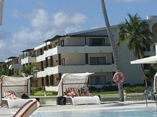 Catalonia Royal Bavaro:                   bldg 36
