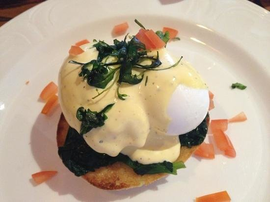 Chevin Country Park Hotel & Spa:                   Eggs Florentine breakfast