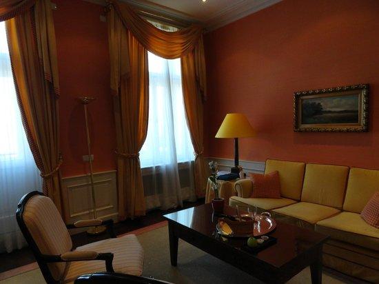 Le Palais Art Hotel Prague:                   habitacion