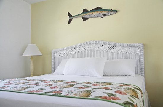 Sea Spray Inn: Studio With King Bed