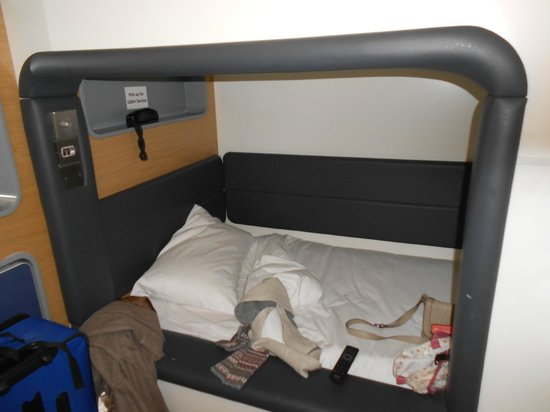 YOTELAIR London Heathrow Airport:                   The 'bunk' bed
