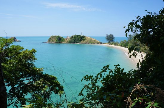 The Houben Hotel:                                     Koh Lanta National Park is just 20 minutes away