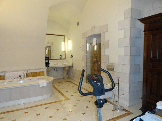 Hotel Copernicus:                   baño