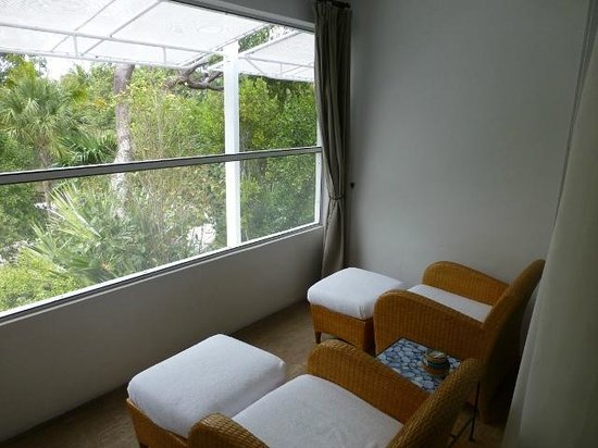 Casa Morada: Gumbo limbo covered terrace