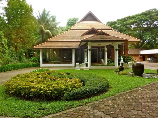 Tao Garden Health Spa & Resort:                   entrada al Tao center recepcion
