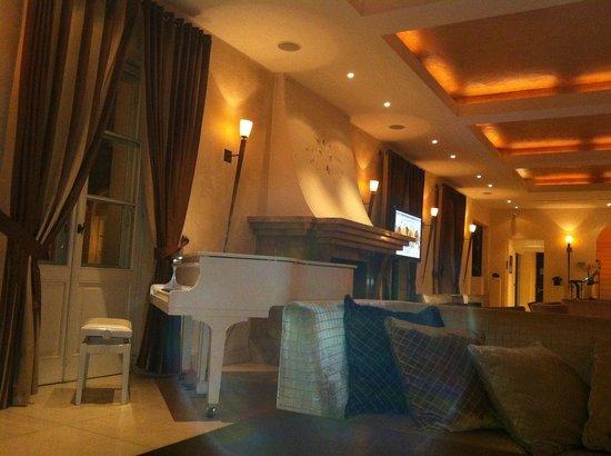 Mamaison Hotel Le Regina Warsaw: restful lobby