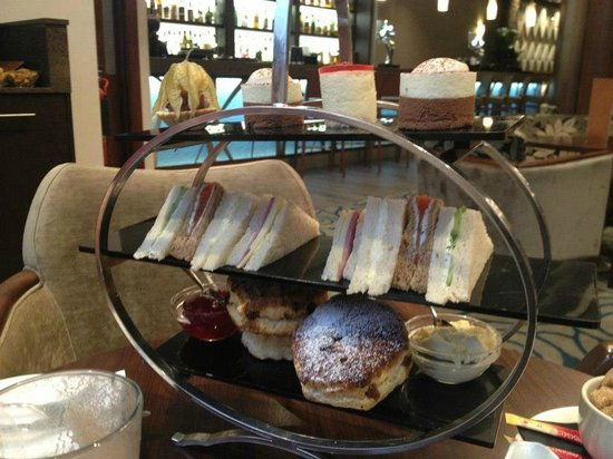 Kensington Close Hotel:                   Afternoon Tea was yummy!