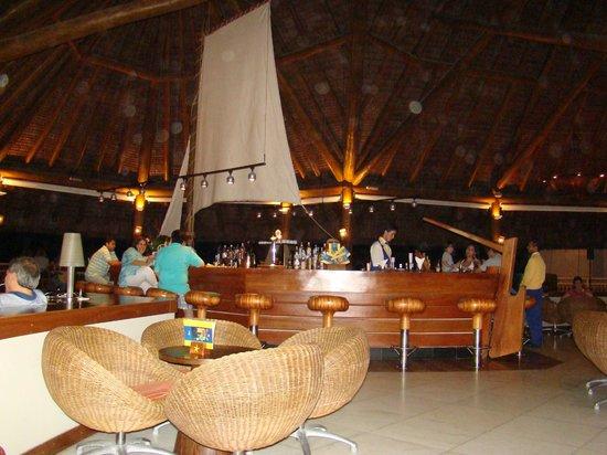 Iberostar Praia do Forte:                   bar del lobby