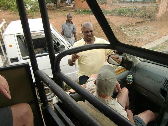 Sefapane Lodge and Safaris:                   Met de gids naar de townships van Phalaborwa